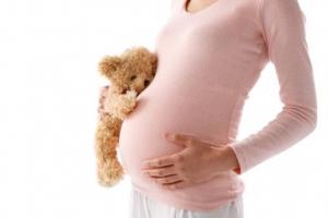 u nang buồng trứng có thai được không